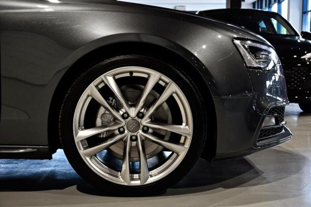 Audi A5 2.0 TDi * S Line PLUS * NAVI * LED * SPORTZETELS
