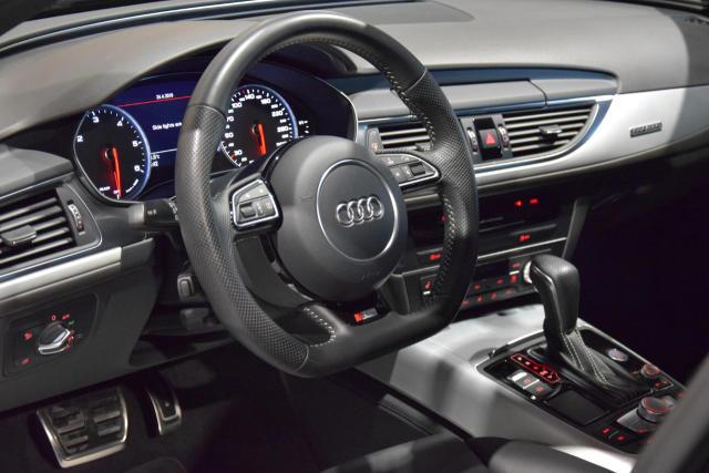 Audi A6 3.0 TDi * Quattro S tronic *SLINE PLUS* NAVI *PANO