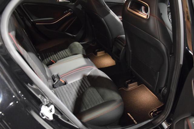 Mercedes-Benz GLA 200 d  * AMG * NIGHTPACK * NAVI * LED * STEPTRONIC