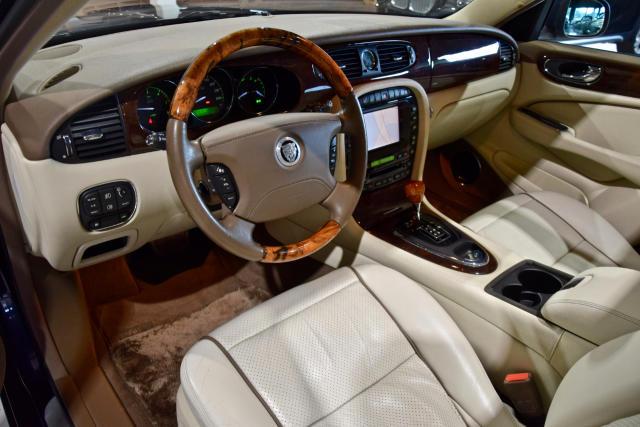 Jaguar XJ 2.7D V6 * NAVI * XENON * OPENDAK * LEDER * FULL *