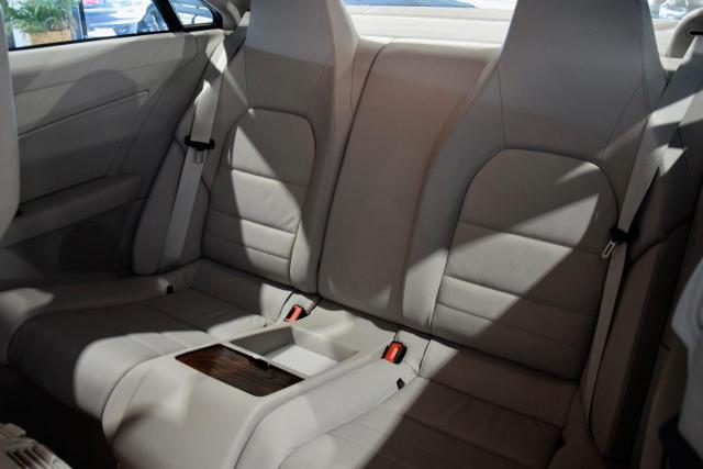 Mercedes-Benz E 200 Avantgarde Start/Stop * SPORTPACK * NAVI * XENON