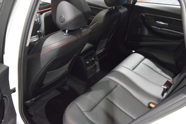 BMW 318 Touring TOURING * SPORTLINE * AUTOMAAT * 60.000KM *